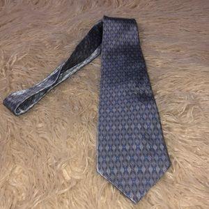 Van Heusen 100% Silk Gorgeous Tie